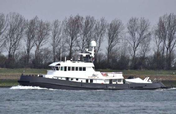 Motor Yacht LARS -  Profile